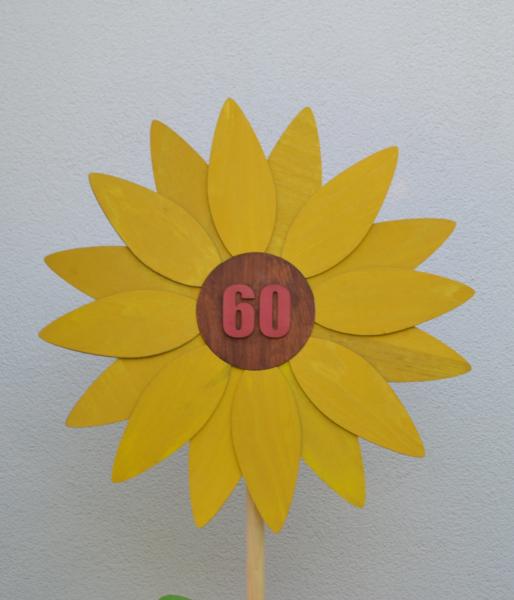 Lesena roža za obletnico